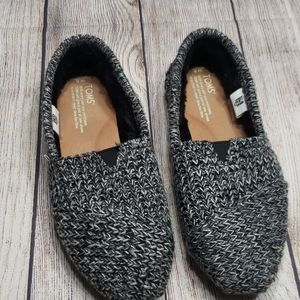 Tom's faux fur lined classic flats size 8